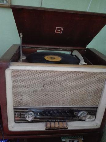 """ОРИГИНАЛЕН- автентичен Радио-Грамофон""""ТЕSLA"""""""