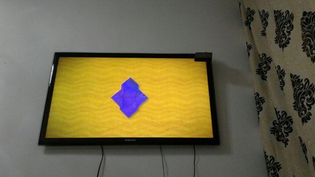 Дешего продам телевизор большой в отличном состоянии