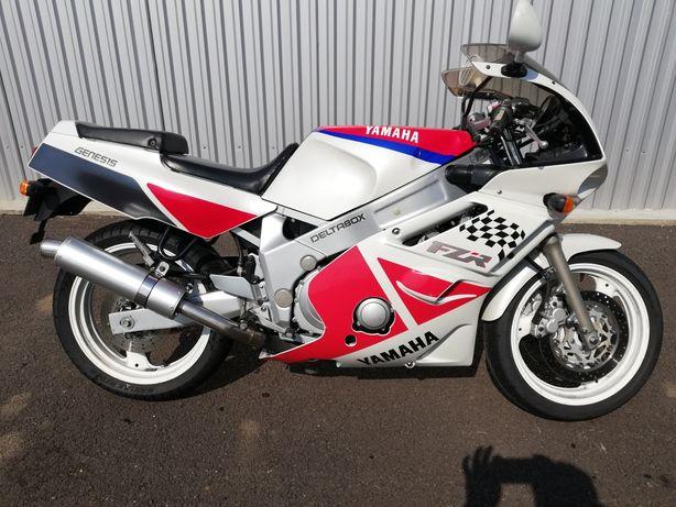 Yamaha FZR 600 cu 32 000 km.
