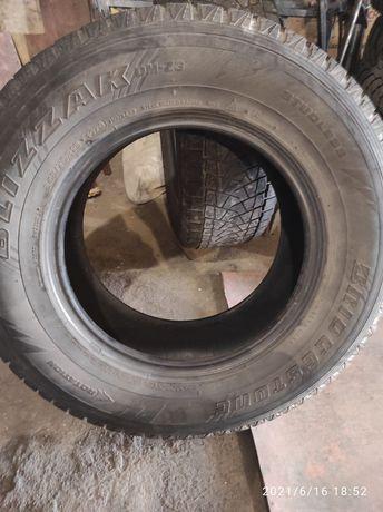 Резину 245/70R16