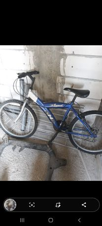 Vând bicicleta în stare buna