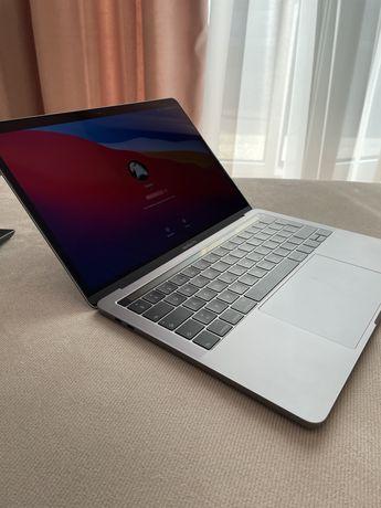 Vand laptop Apple MacBook Pro 13, ca NOU in cutie(iPad, iPhone)