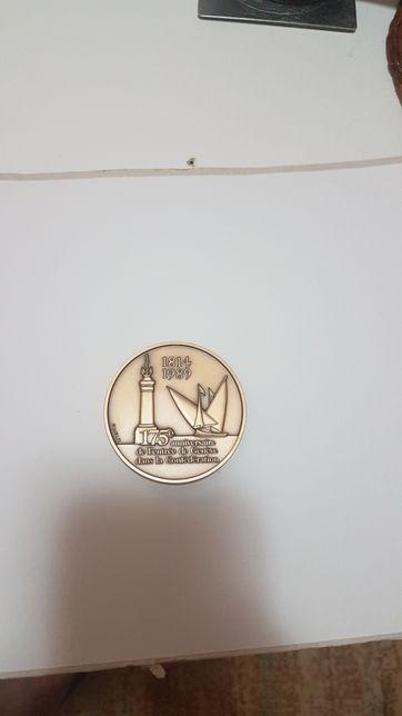 Medalie bronz les clefs de. Saint pierre