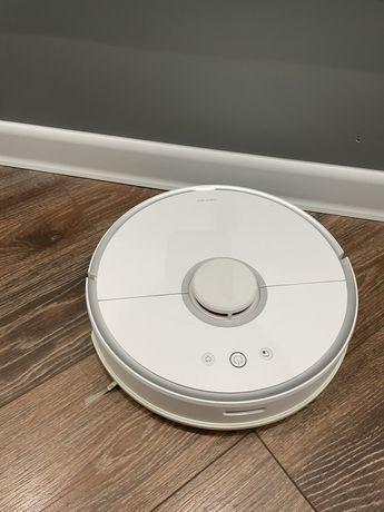 Xiaomi робот- пылесос