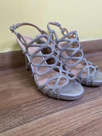 Сандали/обувки на ток/токчета GiAnni