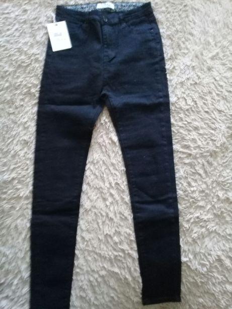 Продам джинсы жен р-р 28 новые