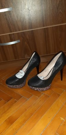 Pantofi noi nr 40