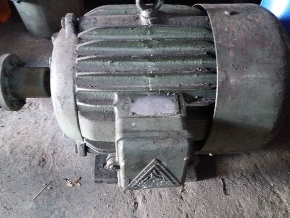 Електромотор трифазен