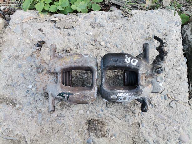 Etrieri / etrier stânga /dreapta fata Peugeot 407