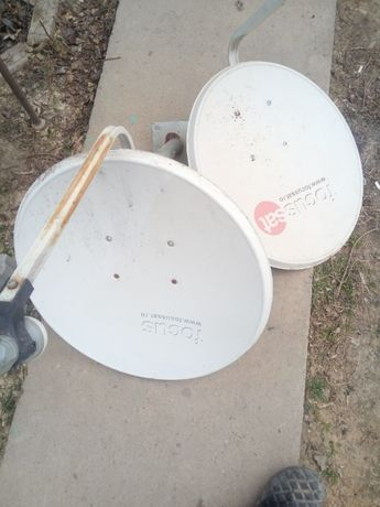 Antena parabolica satelit
