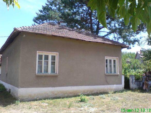 Продавам къща в с .Смирненски обл. Монтана