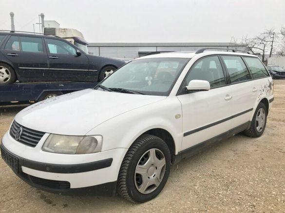 НА ЧАСТИ! VW Passat 1.6 i 101 кс. AHL Комби Климатик Фолксваген Пасат