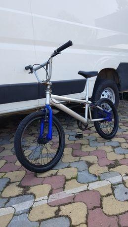 Bicicleta bmx scheme