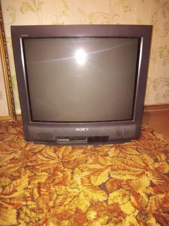 Телевизор сони, пульт в наличие имеется