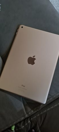 Продам iPad  10.2 дюйма самое последнее поколение