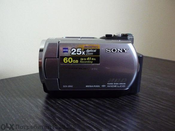 Продавам дигитална камера Sony Dcr-sr82