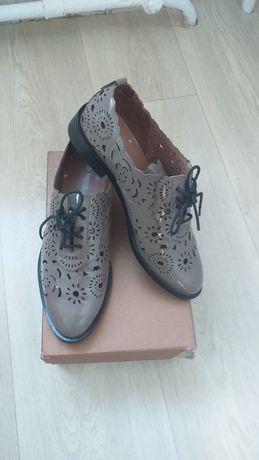 Полу ботинки женские