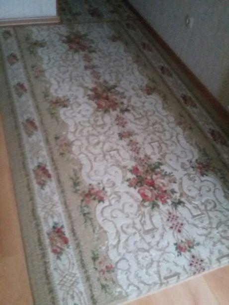 дорожки ковровые на кухню, коридор, балкон подъездного дома.