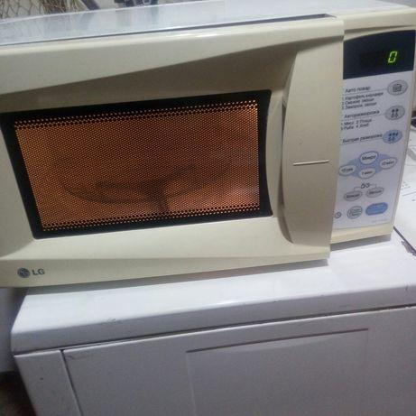 Продам микровалновую печь.