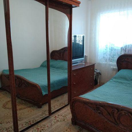 Продам спальний гарнитур