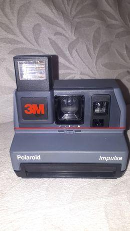 Полароидна импулсна камера