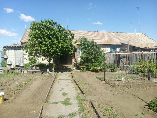 Продам дом двух квартирный , обе квартиры продаются, один хозяин.