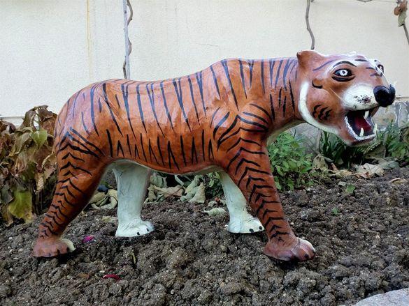 Уникален Огромен Тигър от Кожа!