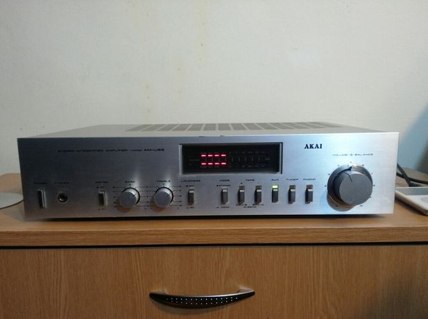 Amplificator Akai AM U33