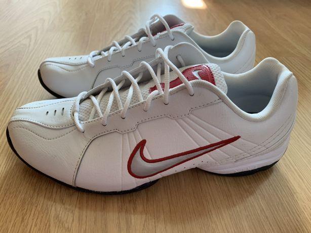 Adidasi dama ,originali Nike , marimea 40 .