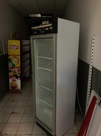 продам холодильник/холодильный шкаф