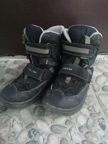 Ботинки 33 размер Geox осень зима