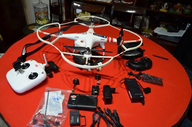 "Drona ""DJI Phantom 2"" + accesorii"