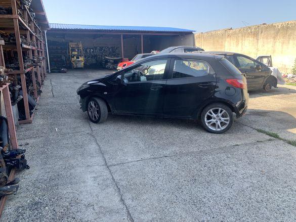 Mazda 2 1.4i  на части