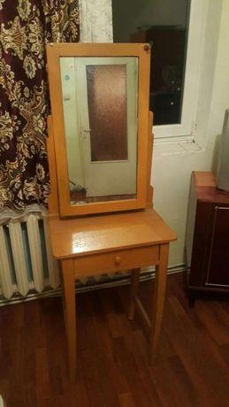 Oglinda cu puiuc veche