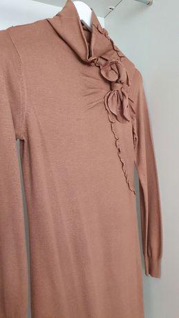 Продам трикотажное платье 5000