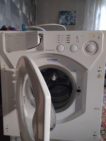 Продам встраемую стиральную машинку