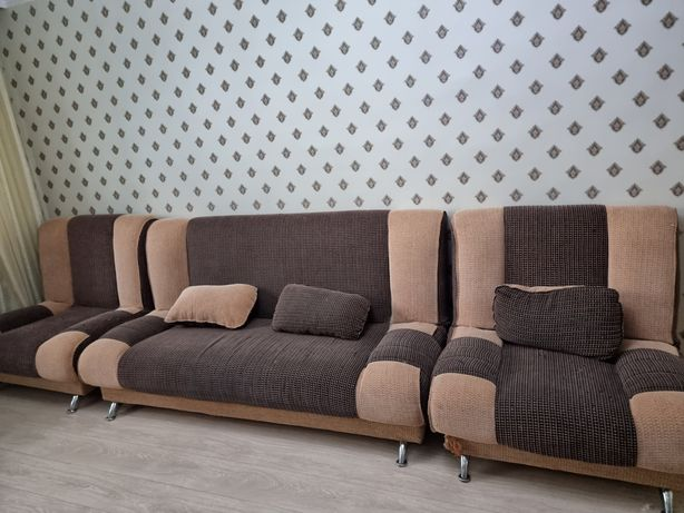 Мягкий уголок, диван и два кресла