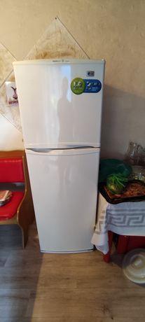Продам холодильник LG  в хорошем состояний.