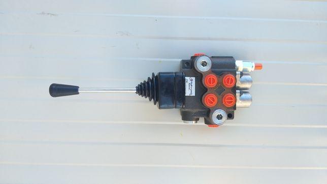 Distribuitor hidraulic joistik incarcator frontal 4 comenzi