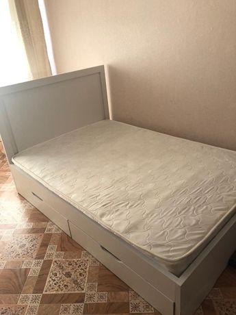 Кровать-полуторка