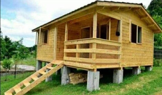 Vând și construiesc case pe structura de lemn sau metal