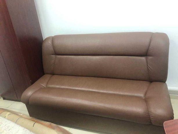 Продам диван для офиса