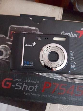 Aparat foto Genius G shot P 754
