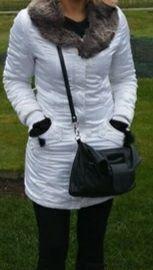Бяло дамско зимно яке