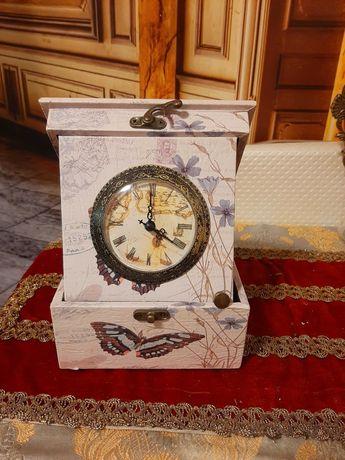 ceas de masa , caseta bijuterii vinatge