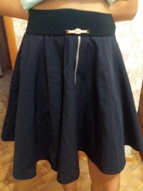 Продам юбки школьные размер 38 и 40 размеры