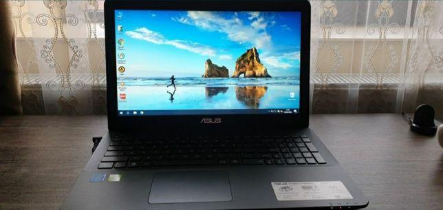 Laptop ASUS cu încărcător original