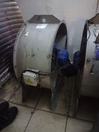 Промышленный вентилятор. В отл. Состоянии.
