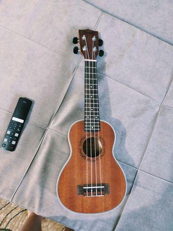 Продам  гитару Укулеле сопрано