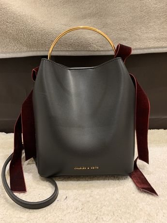 Дамска чанта Charles Keith